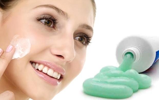 чистка обличчя зубною пастою це круто