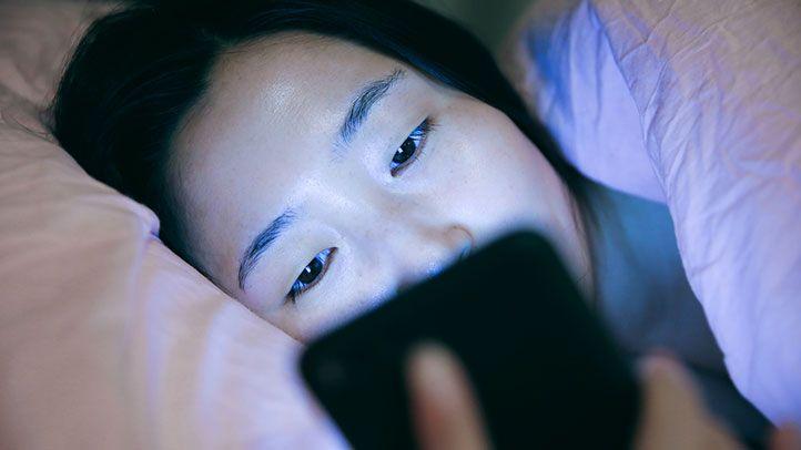 Захист від синього світла смартфона